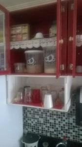 ARMARIO SUSPENSO PARA COZINHA COM MODULOS E PORTA TRANSPARENTE ACABAMENTO COLORIDO