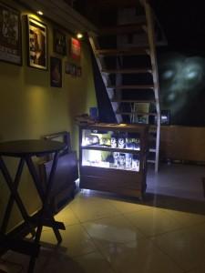 Balcao com display frontal - projeto cervejaria O embarxador