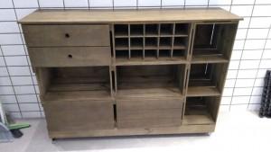 Balcao com gavetas, adega e porta basculante - Medidas 1,50 x 1,10 x 0,40m - Acabamento Castanho - Ref. Pizzaria