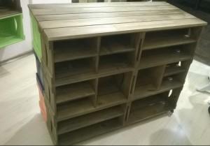 Balcao de caixotes - Modelo com caixotes retos, com prateleiras e divisorias - projeto para loja de roupas