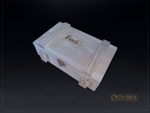 Caixa de madeira modelo EXPORT. Fabricada em madeira Pinus, tampa articulada. Acabamento natural. Projeto FEDEX