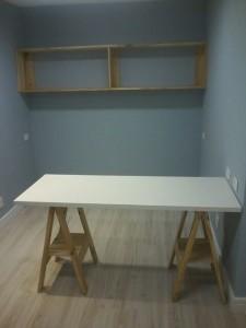 Mesa com cavaletes e tampo em MDF branco - Medidas 1,50 x 0,70m - Sob encomenda (2)