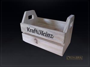 Mini caixote de madeira personalizado. Fabricado em madeira Pinus, personalizada com impressao em serigrafia 1 cor. Projeto Kraft Heinz