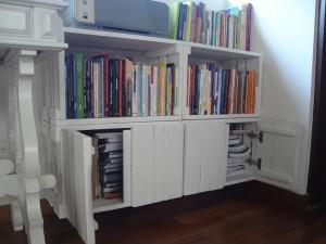 Modulo de caixotes com portas, cor branca.