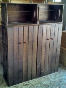 Movel de caixotes com portas - Modelo com 4 portas - medidas 1,50 x 1,20m - acabamento tabaco