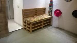Sofa de Pallets com encosto e futtons - projeto paleteria