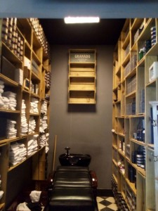 estante de caixotes - projeto barbearia Dom corleone