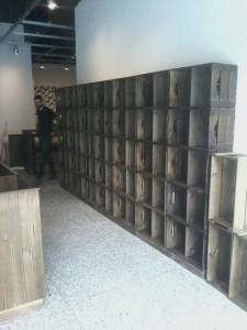 estante de caixotes - projeto loja Jumbo