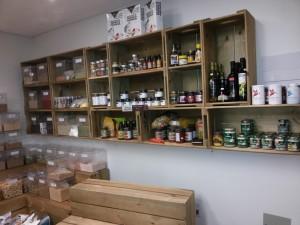 estante de caixotes - projeto loja ''semente e raiz'' (2)