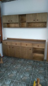 gabinete para cozinha modelo de compensado - acabamento castanho - balcao e armario superior - ref para cozinha