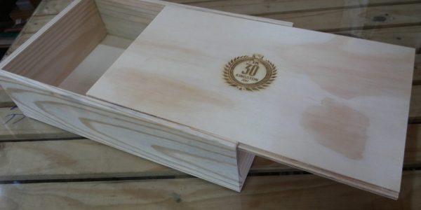 caixa modelo com tampa deslizante - ref. kingstom