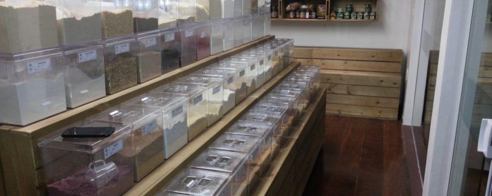 expositor modelo podium - projeto loja de produtos naturais SEMENTE E RAIZ