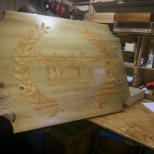 placa de madeira gravada a laser
